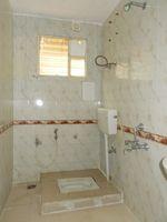 13M3U00174: Bathroom 2