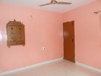 13M3U00174: Bedroom 2