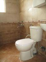 RFB911: Bathroom 2