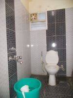 13J7U00063: Bathroom 1