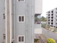 13J6U00380: Balcony 2