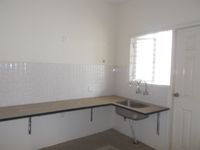 13J6U00380: Kitchen 1