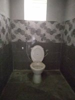 13DCU00215: Bathroom 1