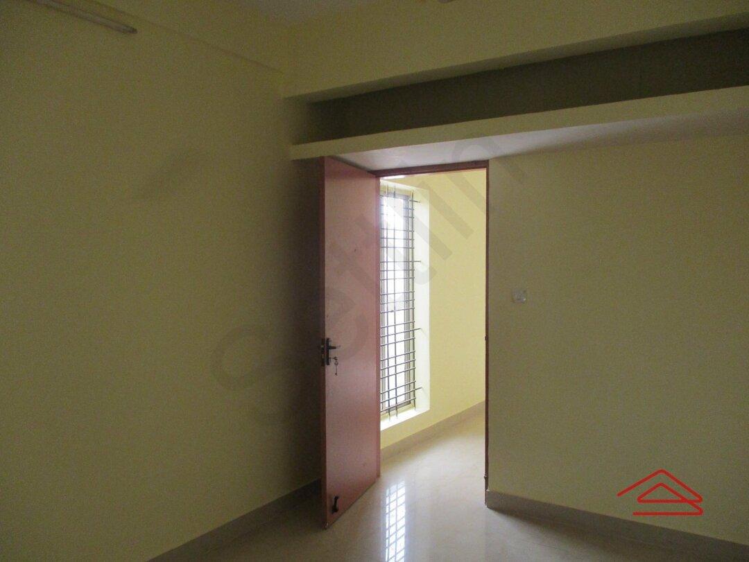 15S9U00604: Bedroom 1