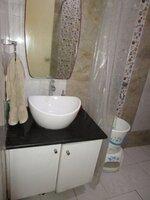 14DCU00589: Bathroom 2