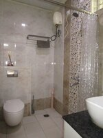14DCU00589: Bathroom 1