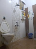 13A8U00069: Bathroom 2