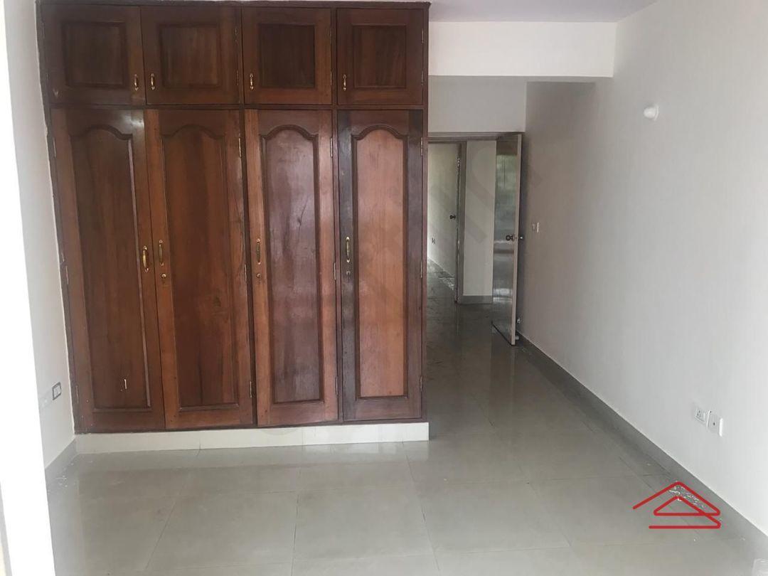 13F2U00322: Bedroom 1