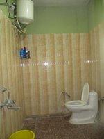 14J6U00013: bathrooms 1