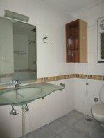 15M3U00219: Bathroom 2