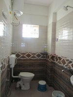 13A8U00284: Bathroom 2