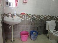 13A8U00284: Bathroom 1
