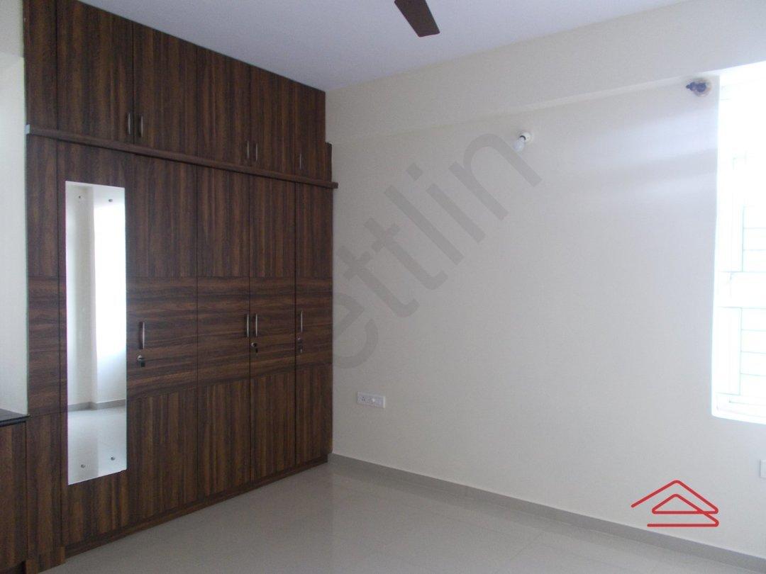 13F2U00139: Bedroom 1
