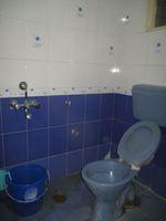 13J1U00093: Bathroom 1
