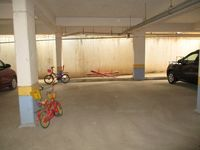 10J6U00331: Parking