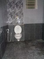 12J7U00342: Bathroom 1