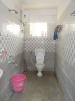 13M3U00034: Bathroom 1