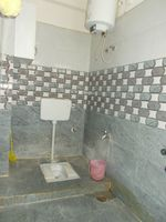 13M3U00034: Bathroom 2