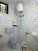 15M3U00331: Bathroom 2