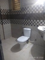 15J1U00015: Bathroom 1