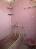 13M5U00251: Bathroom 1