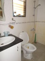 13A4U00072: Bathroom 2