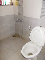 13A4U00072: Bathroom 1