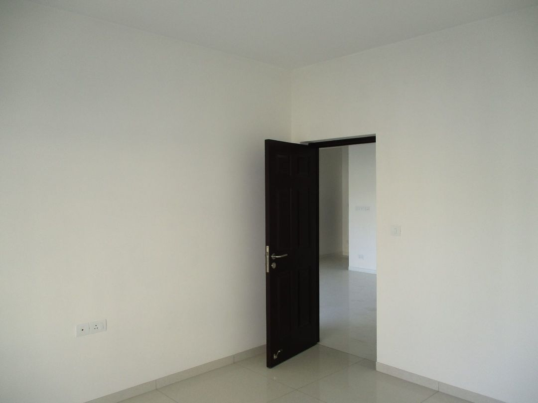 10M3U00039: Bedroom 1