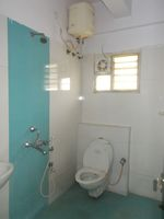 11DCU00022: Bathroom 1