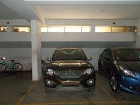 11DCU00022: parking 1