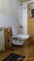 10F2U00036:  common Bathroom