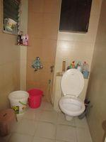 13M5U00376: Bathroom 2