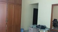 11J6U00370: Bedroom 1