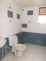 13A4U00029: Bathroom 2