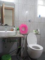15A8U01029: Bathroom 1