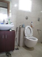 15A8U01029: Bathroom 2