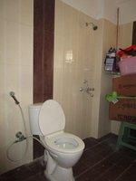 13DCU00428: Bathroom 2
