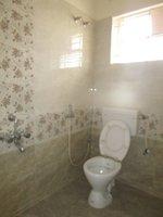 13DCU00319: Bathroom 2
