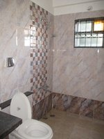 13DCU00509: Bathroom 1