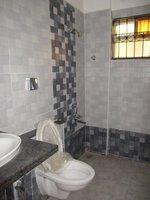 13DCU00509: Bathroom 3