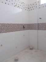 13A4U00115: Bathroom 2