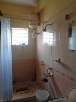 12A8U00300: Bathroom 2