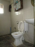 15OAU00136: Bathroom 1