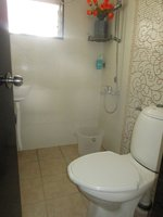14F2U00160: Bathroom 1