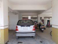 13M5U00061: parking 1
