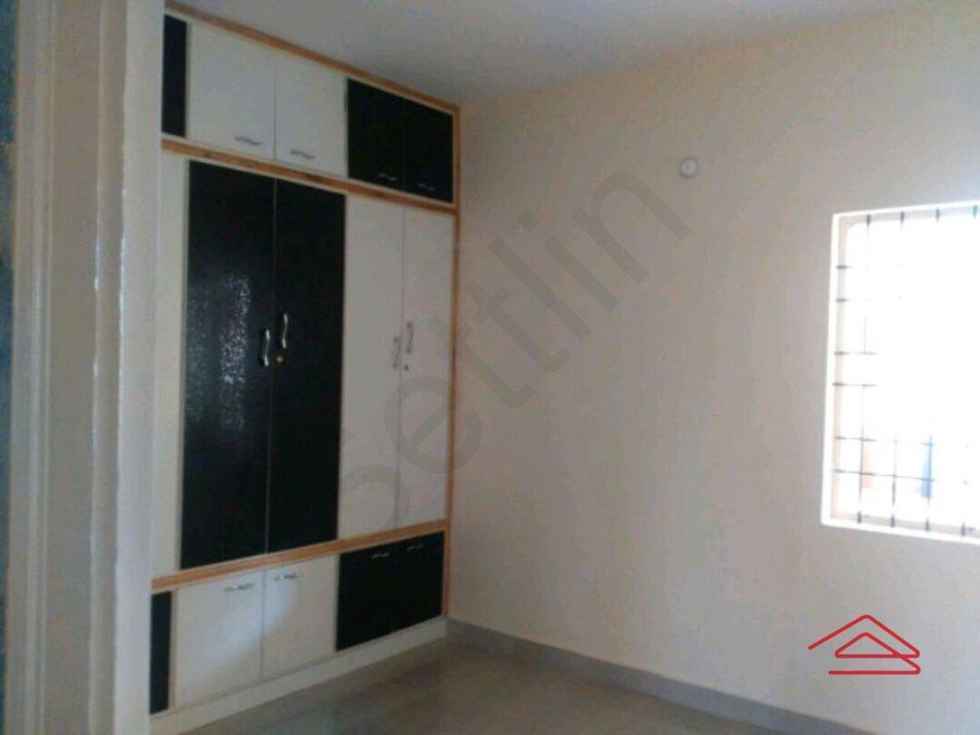15J7U00237: Bedroom 1