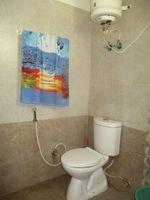 12F2U00124: Bathroom 1