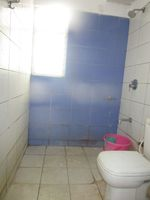 13J6U00210: Bathroom 1