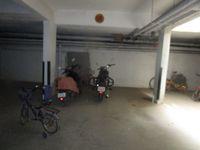 13J6U00210: parking 1