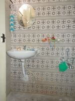 13A4U00045: Bathroom 2
